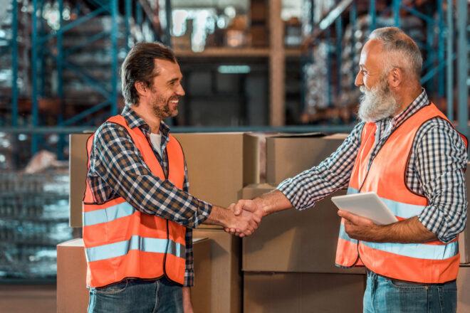 Verträge zwischen Unternehmen und Lieferanten müssen mit Hilfe von SAP SRM ausgehandelt werden.